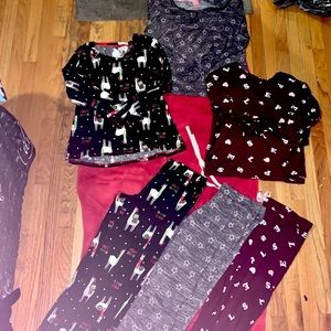 3complete matching sets of women's Pajamas size M